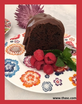 Chocolate Cake Raspberry Border
