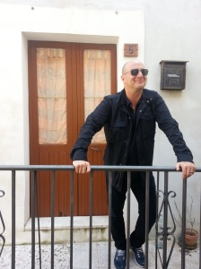 Scot in 2015 in front of Sebastiano's house