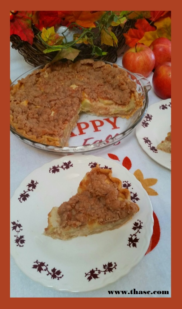 Sour Cream Apple Pie with Cinnamon Topping